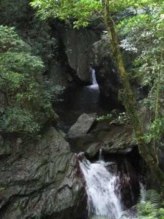 090501 比地大滝5.JPG