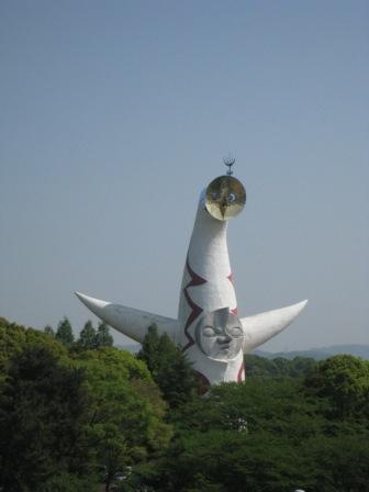 100504 太陽の塔1.JPG